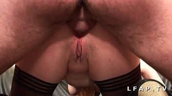 Jeune débutante francaise bien demontée, baise avec un copain