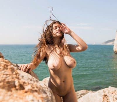 Judith Guerra, une instagrammer aux gros seins et talentueuse