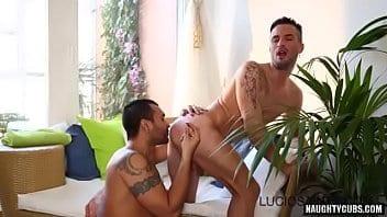 ma première fois porno gay