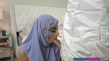Beurette perd sa virginité le jour de son mariage