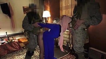Arabe salope au service des soldats américains au Moyen-Orient