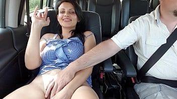 Balade en voiture finit en éjaculation creampie
