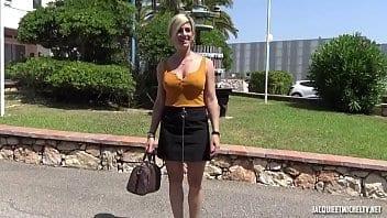 Femme française de 37 ans se fait défoncer la chatte